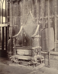 Coronation Chair with Stone of Scone 750_tcm4-562306